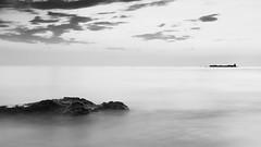 Fortaleza (Julián Iglesias) Tags: mar paisaje nubes castillo blancoynegro monocromo cielo cádiz andalucía playa fortaleza sea landscape clouds castle blackandwhite monochrome sky andalusia beach fortress nikond5500 sol sun nature summer bw tamron contrast
