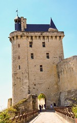 Entrance of the fortress (Babethaude) Tags: architecture indreetloire monument medieval touraine valleyofloire chinon tower fortress