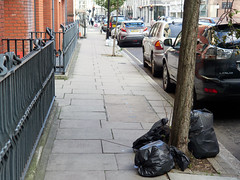 20180921T15-40-58Z (fitzrovialitter) Tags: england gbr geo:lat=5151873000 geo:lon=014020000 geotagged oxfordcircus unitedkingdom westendward rubbish litter dumping flytipping trash garbage peterfoster fitzrovialitter city camden westminster streets urban street environment london fitzrovia streetphotography documentary authenticstreet reportage photojournalism editorial captureone olympusem1markii mzuiko 1240mmpro microfourthirds mft m43 μ43 μft ultragpslogger geosetter exiftool
