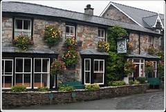Tanronnen-Inn (zweiblumen) Tags: tanronneninn beddgelert gwynedd wales cymru uk pub inn canoneos50d polariser zweiblumen