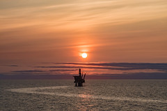 Offshore Sunset (Craig Hannah) Tags: sunset sun evening offshore oil oilrig northsea sea scotland craighannah photography photos industry gas platform rig august 2018