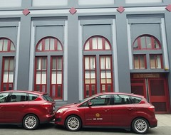 Color coordinated (pr0digie) Tags: stanford sanfrancisco car building maroon red gray