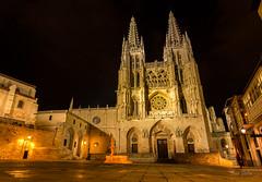 Catedral de Burgos (Juan Galián) Tags: nocturna night nightshoots nocturnas noche burgos canon60d largaexposición longexposure catedral building monumento patrimonio spain españa gotico