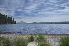 Crescent Lake, Oregon (Bonnie Moreland (free images)) Tags: crescentlake oregon water beach sand trees mountain clouds sky blue landscape saariysqualitypictures