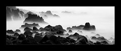 White Surge (richieb56) Tags: nature water ocean ozean wasser insel küste coast grey black white weiss schwarz nero filter hawaii big spray mist dunst nebel fog travel reise journey rock landscape sky mystic lava graufilter stein brandung wellen waves surge