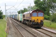 66012 passing Marston Green station (uksean13) Tags: marstongreen 66012 diesel train railway canon 760d ef70200mmf4lusm