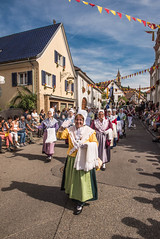 Winzerfest_Umzug_114 (alexanderanlicker) Tags: auggen badenwürttemberg breisgauhochschwarzwald deutschland europa trachtenundbrauchtumsumzug umzug wein weinfest winzerfest winzerfestumzug