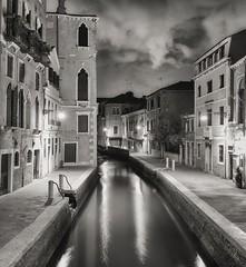 Venice by night with Olympus OMD em10  and Panasonic 20mm 1.7 (Flavio Ciarafoni) Tags: olympus omd em10 panasonic20mmf1 7 venice by night venezia flavio ciarfafoni