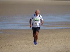 DSC09124 (corradookp) Tags: kustloop vrouwenpolder strand oostkapelle running beach run
