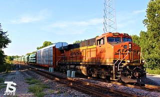 2/2 BNSF 7206 Leads WB Pipe/Autorack Shawnee, KS 9-1-18