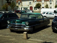 Cadillac Coupé De Ville Richelieu (37 Indre et Loire) 02-09-18a (mugicalin) Tags: fujifilm fujifilmfinepix fujifilmfinepixs1 s1 finepixs1 finepix cadillac americancar 2018 classiccar greencar voitureverte sts427 sts 427 v8 v8motor v8power v8engine 37 richelieu indreetloire cadillacclassic 10fav