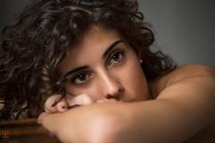 Martina (kant53) Tags: modella ragazza ritratto portrait posa primopiano interno studiofotografico lucenaturale