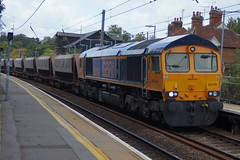 Snaking: 66749 6M14 Stansted Mountfitchet 19/09/18 (TheStanstedTrainspotter) Tags: train trains rail railway transport transportation publictransport westanglia westangliamainline stanstedmountfitchet stansted gbrf gbrailfreight 66 class66 66749 6m14 harlow harlowmill bardonhill freight aggregates harlowmillaigbrf