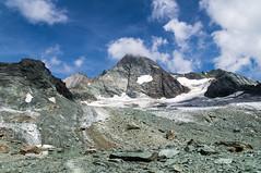 DSC01524 (::Krzysiek::) Tags: grossglockner stüdlgrat 3798 austria österreich stüdlhütte alpy hohetauern wysokietaury alps góry highmountains mountains valley dolina top summit peak szczyt przełęcz grań niebo sky krajobraz landscapes landscape karpaty wspinanie alpinizm climbing ridge lodowiec glacier