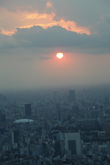 Le Soleil se couche sur Tokyo (kaneto974) Tags: tokyo japon japan soleil tokyodome tokyoskytree