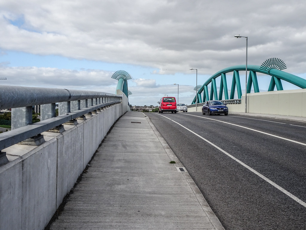REILLY'S BRIDGE WAS REPLACED BY THE RATOATH ROAD OVERBRIDGE [IT IS A PITY THAT THEY DID NOT COME UP WITH A NAME FOR THE NEW BRIDGE]-143893