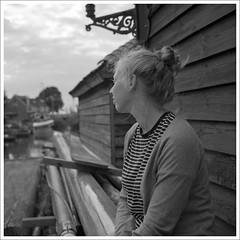 Waiting for my ship to come ... ;-) (macfred64) Tags: film analog mediumformat 120 6x6 rolleiflex35f czplanar kodak400tx trix bw blackandwhite thenetherlands workum portrait mia maria blazerhaven