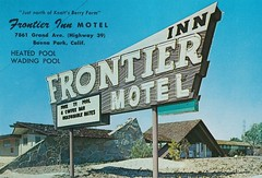 Vintage Postcard - Frontier Motel - Buena Park, Calif. (sign by Electrical Products Corp.) (hmdavid) Tags: electricalproductscorp epco vintage sign roadside advertising california midcentury design neon frontierinn motel buenapark postcard