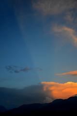Le partage (RarOiseau) Tags: ciel orage couchant nuage soir couleur hautesalpes