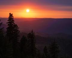 Sierra Sunset (grimeshome) Tags: yubagap northerncalifornia grimeshome grimeshomephotography davidgrimesphotographer davidgrimesphotography sunset sierras sierranevadamountains sierranevadas sierranevada sierra landscape sun forest