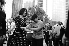 Stay with me, sway with me (勇 YoungAdventure) Tags: san francisco サンフランシスコ 샌프란 시스코 舊金山 soma east cut salesforce rooftop park highline transbay terminal swing lindyhop dance lindyinthepark