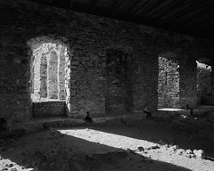 In the castle chambers (fotoswietokrzyskie) Tags: building window ruins analog 6x7 medium format mamiya 7ii 65mm kodak tmax400 castle monochrome architecture wall brick arch stones