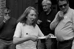 vrijwilligers mét koffie (regionaal landschap Schelde-Durme) Tags: waasmunster begraafplaats openmonumentendag