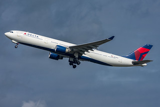 N811NW Delta Air Lines Airbus A330-300 Amsterdam Schiphol