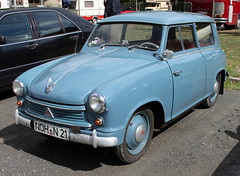 Lloyd Wagon (Schwanzus_Longus) Tags: cloppenburg german germany old classic vintage car vehicle station wagon estate break kombi combi lloyd ls400