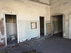 Luoghi abbandonati (chiara7171) Tags: luoghiabbandonati genovaliguria palazzinaliberty expalestra urbanexploring lostplace lost abandonedplaces