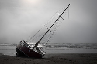 20180920_5234_7D2-24 Fog is clearing, yacht is not #2 (263/365)