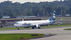 Alaska Airlines Boeing 737-990(ER)(WL) N238AK (MIDEXJET (Thank you for over 2 million views!)) Tags: milwaukee milwaukeewisconsin generalmitchellinternationalairport milwaukeemitchellinternationalairport kmke mke gmia flymke alaskaairlinesboeing737990erwln238ak alaskaairlines boeing737990erwl n238ak boeing boeing737900 boeing737 737 737900 737990 wisconsin unitedstatesofamerica