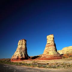 Geo illogical (Robyn Hooz) Tags: geology pillars arizona colorado blue sky colors colori deserto yellow dust sand sabbia polvere usa