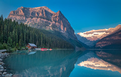 Sunrise @ Lake Louise, Banff National Park, Alberta, Canada (Feng Wei Photography) Tags: uppervictoriaglacier traveldestinations sunrise panorama northamerica tourism landmark vacation relax colorimage lake banffnationalpark beautyinnature lakelouise scenics unesco landscape majestic scenery beautiful travel canada alberta serene glacier boat peaceful horizontal tourist mountain ca
