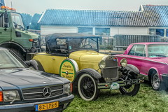 Oldtimer Club Hulshorst (gill4kleuren - 17 ml views) Tags: old things tractors people