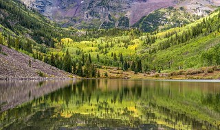 *Maroon Bells @ a touch of autumn*