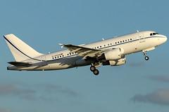 D-APGS_02 (GH@BHD) Tags: dapgs airbus a319 a319100 a319115xcj k5aviation ltn eggw londonlutonairport lutonairport luton airliner aircraft aviation bizjet corporate executive