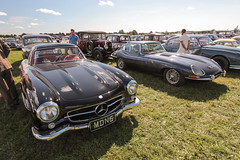 Heaven parking (NaPCo74) Tags: goodwood revival 2018 sussex chichester lord march duke richmond motor circuit racing race classic historic car canon eos 700d mercedes 300sl 300 sl sport leicht jaguar etype typee type e coventry papillon gullwing black