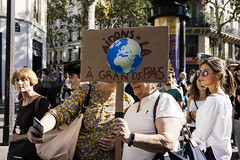 MARCHE - CLIMAT - PARIS (350.org) Tags: marche action citizens citoyens climat climate climatemarch climatique demonstration ecologie ecology emergency hoteldeville hulot manifestation march marchepourleclimat nicolashulot ong paris rally rassemblement riseforclimate sommet summit urgence idf france fra europe