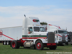 Consolidated Freightways 1986 Freightliner FLC daycab (Michael Cereghino (Avsfan118)) Tags: 2018 brooks truck show consolidated freightways freight cf 1983 101 10 1 freightliner flc conventional daycab single axle hood