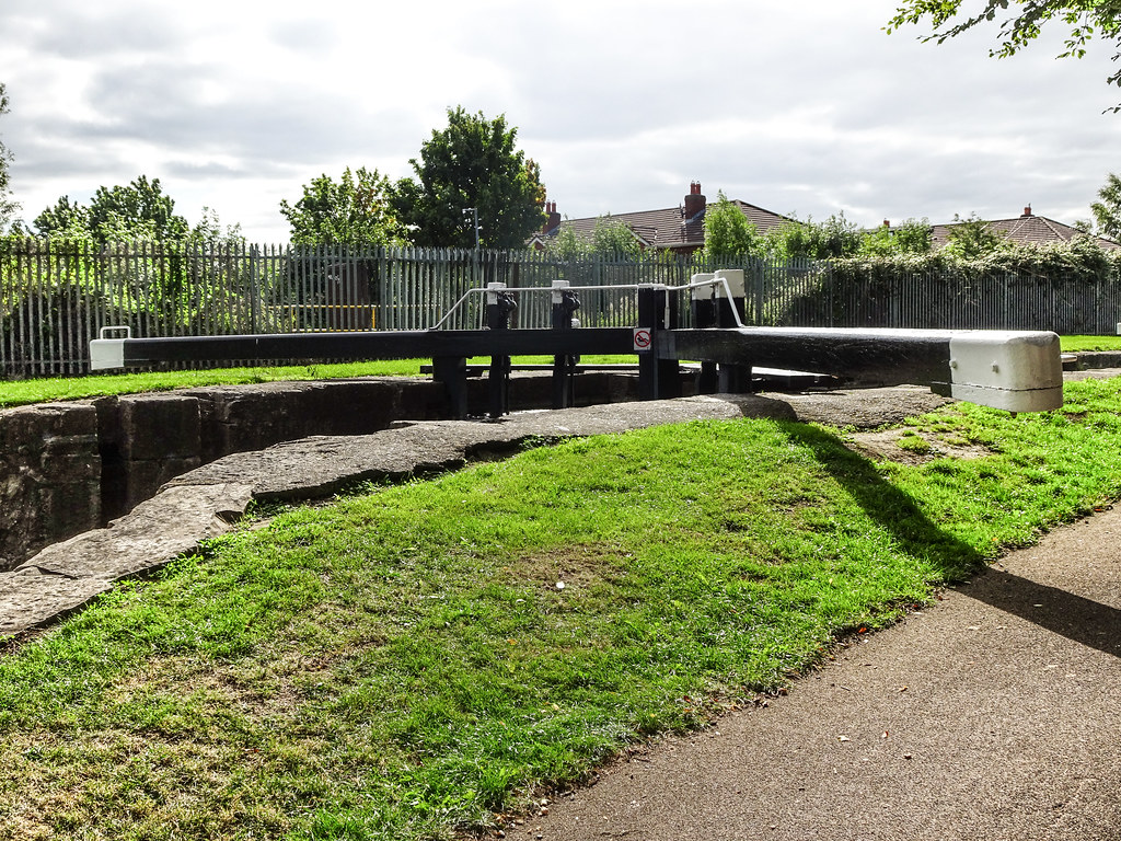 FROM REILLYS BRIDGE TO ASHTOWN ALONG THE ROYAL CANAL WAY [INCLUDING ROYAL CANAL PARK AND RATHBORNE]-143921