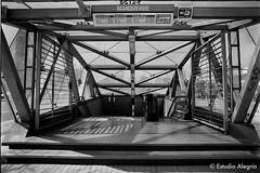 Metro Manquehue, L1, Santiago. (Estudio Alegría) Tags: lascondes shootfilm lovefilm film ilfordfp4 ilfordphoto ilford bnw manquehue chile santiago subway tren metro tube