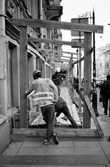 95460007 (Philipp Lillo) Tags: 35mm 35mmfilm filmphotografy streetphotografy analogphoto analogphotografy canoneos300v canon300v ilford ilfordxp2