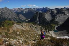 Approaching the Top of Maple Pass (riversandcreeks) Tags: maplepassloop inventoriedroadlessarea roadlessarea roadless hiking northcascades northcascadesscenichighwaycorridor