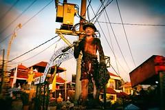 Bali, ville de Munduk (Calinore) Tags: indonesia indonésie bali ville city mineur statue ouvrier