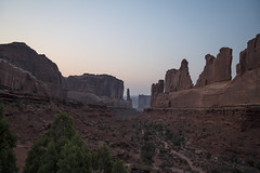 _DSC0331 (nessiealliance90) Tags: arches archesnationalpark delicatearch landscapearch delicatearchtrailhead courthousetowers