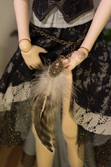 (wayfinderer) Tags: dd dollfiedream hanako bjd doll fascinator feather