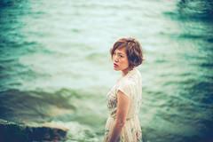 Glance (moaan) Tags: takashima shiga japan jp portrait glance woman womaninprofile wasitup outdoor water lake bythelakeside lakebiwa dof depthoffield focusonforeground selectivefocus bokeh bokehphotography utata 2018