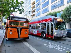 1938 White Motor Co. Coach 42 (waltarrrrr) Tags: flixbustrip september8 2018 saturday sanfrancisco bus muniheritageweekend muni sfmuni sf transit publictransit
