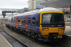 166207, Reading, March 21st 2015 (Southsea_Matt) Tags: 166207 class166 brel networker turbo firstgreatwestern reading berkshire england unitedkingdom march spring 2015 canon 60d train railway railroad transport dieselmultipleunit dmu